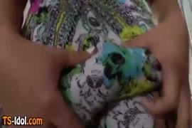 سكس صور فتيات نيك فالطيز بقضيب مطاطي متحرك