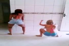 فيديو قصير سكس جامد